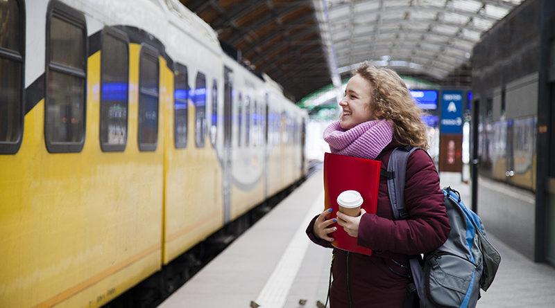 Девушка на станции Вроцлав